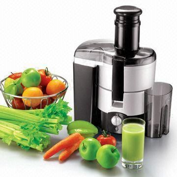 Juicing Raw Fruits and Vegetables | FitKim